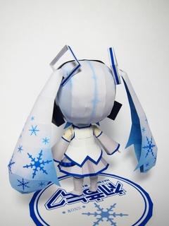 ペーパークラフト-雪ミク